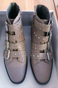 New sz 7.5 leather buckle boots 548 km