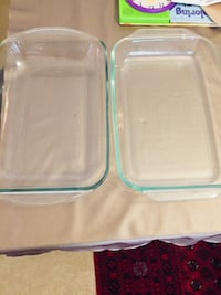 two clear plastic food containers London, N6B 0B2
