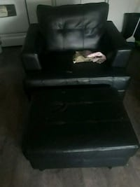 black leather padded sofa chair Scarborough, M1K