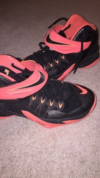 Nike S-8 LRJ6 court shoes (size 9 woman's) (size 7 men's) never worn outside only worn during 2 season games