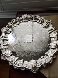 Wm. Rogers Round silverplate tray 5158 Vaughan
