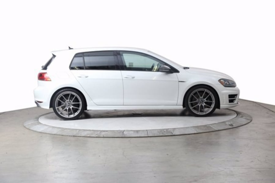 2016 VW Volkswagen Golf R 2