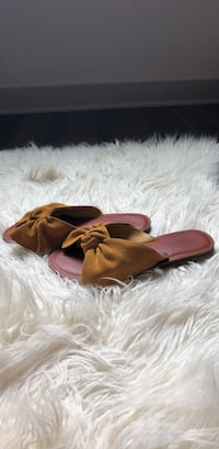 American Eagle Outfitters sandles 1159 mi