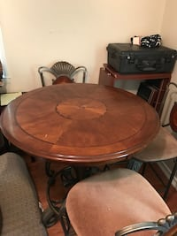Bewley's Bistro Table With 3 chairs Shreveport, 71118
