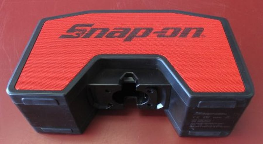 Snap-On Cordless Bluetooth Speaker 58ec1a5d-fc9a-46a2-b8ae-3cd2cd02647a