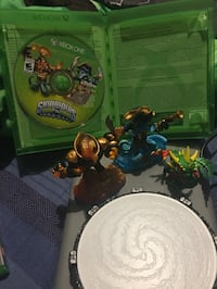 Xbox one Skylander, portal and figures Courtice, L1E 0B3
