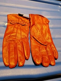 Danier  leather ladies gloves and mutts Ajax, L1S 6C1