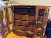 brown wooden jewelry box Chicago, 60659