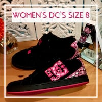 Women's Size 8 DC's in Excellent Condition  London, N5Z 2S8