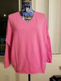 Pink sweater, soft, good quality, size small  Alexandria, 22304