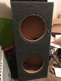 Black and gray subwoofer enclosure Springfield, 65804
