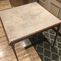 Portable square table St Catharines, L2P