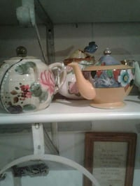 white, green and pink floral ceramic tea pot Kearneysville, 25430