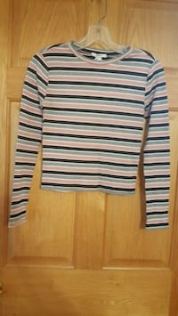 Forever 21 long sleeve top. Size small