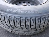 225 65 16 Michelin X-ice Winter Tires with rims