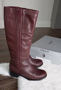 Burgundy leather boots - size 8 Markham, L3T 7N1