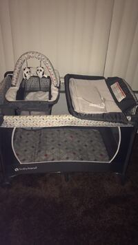 Baby's black and white travel cot  East Lake, 33610