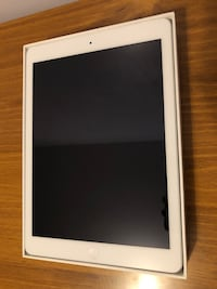 iPad Air 1 32GB Wi-Fi - White WITH 2 Cases Toronto, M9N 2H5