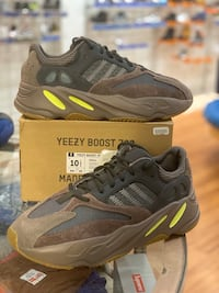 Mauve Yeezy 700s size 10.5 Silver Spring, 20902