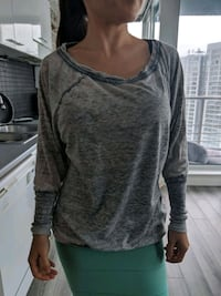 Guess Top Size S Vancouver, V6B
