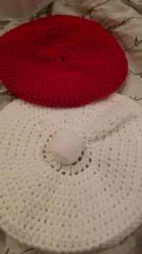 Red and white knitted hat Fort Belvoir, 22060