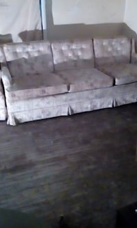 Comfortable Couch/matching Chair Clayton Marcus