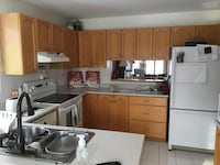 Complete oak kitchen cabinets/cupboards with counter top Ottawa, K2S 1S4