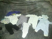baby's assorted-color onesie lot 2403 mi