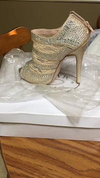 Gold steve madden rhinestone embellished open-toe stiletto bootie with box Gheens, 70355