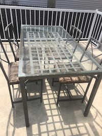 White and gray metal frame Laval, H7G 0E6