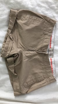 Old Navy  womens khaki shorts (size 4) Washington, 20037