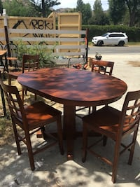 Wood table with 4 chairs Los Angeles, 91311