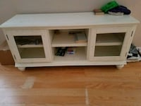 Entertainment center goos conditio.  Lakeland