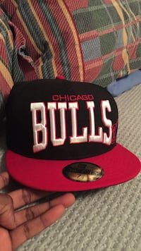 Red and black chicago bulls embroidered new era cap