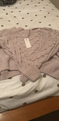white and gray knitted sweater Mobile, 36608