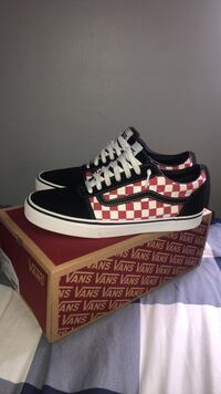 Black/Red Checkerboard Vans Arlington, 22204