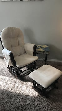 Nusery  Glider Rocking Chair Oklahoma City, 73099