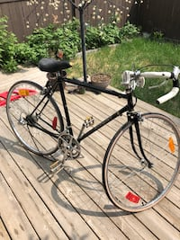 Racing bike ( gears and back break broken) Good for parts or to restore. Edmonton, T5A 3S6