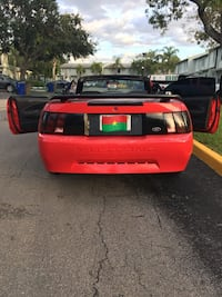 Ford - Mustang - 2002 899 mi