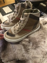Burberry kids shoes Falls Church, 22043