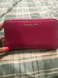 Authentic MK wallet Montreal, H4R