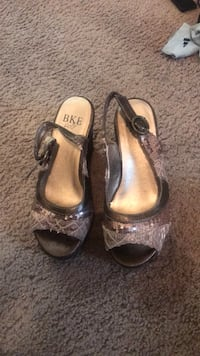 Pair of brown open-toe ankle strap heels size 7 Allouez, 54301