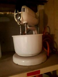 white stand mixer Cambridge, N3H 1H2