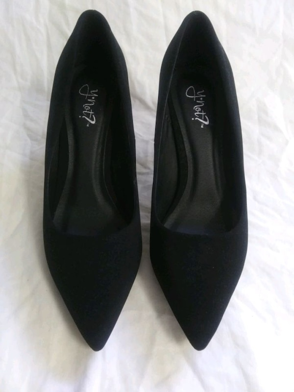 Black Heels (Used) Worn one time ae8b4bb4-eab8-493d-912f-ee166e00186b