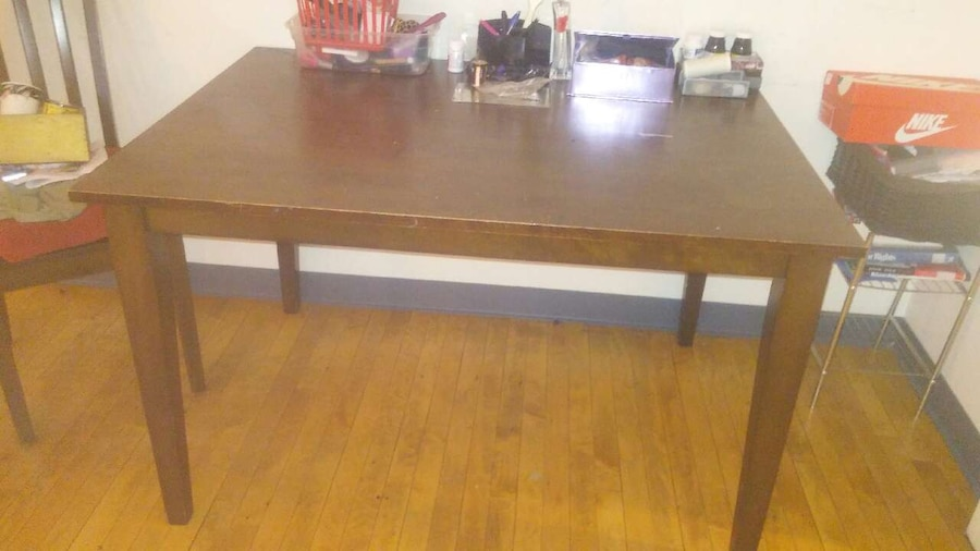 Used kitchen table sorry only one chair pickup only in new for Kitchen table only