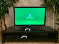 Xbox One w/20 Games & 2 Remotes