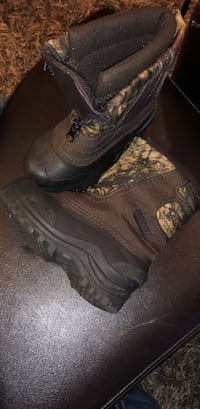 Itasca snow boots toddler size 10 Beebe, 72012