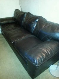 Black Leather Couch & Loveseat Warren, 48091