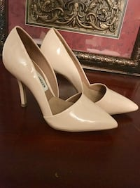 White Steve Madden patent leather pointed pumps