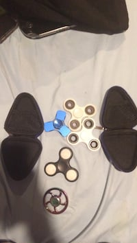 5 fidget spinners and case for 25$ Sterling, 20164